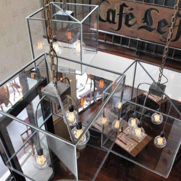 Chandeliers – Café Leffe