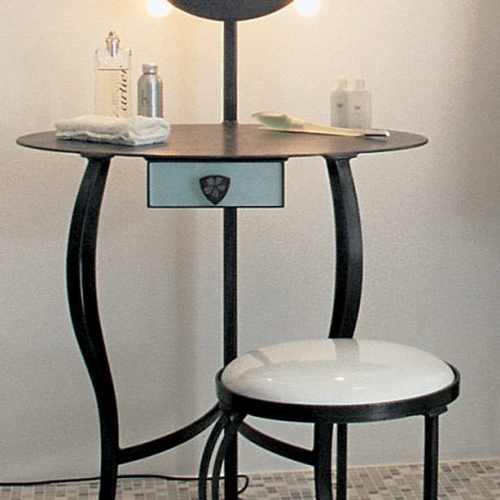 Coiffeuse en acier, facade tiroir verre & miroir dépoli. 1800€